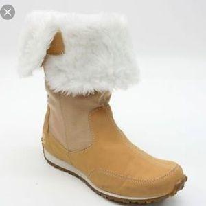 Timberland fold down faux fur lightweight boots